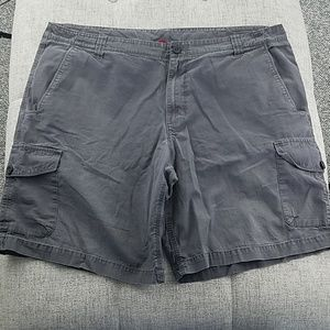 The North Face 6 pockets Cargo Shorts Size 40